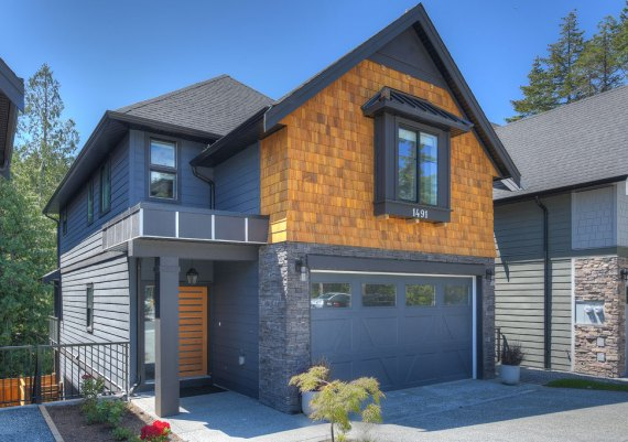 Silver - Westhills Land Corp., Victoria Design Group Ltd. and Verity Construction - Phase 6, Lot 16 Executive Class Home