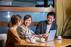 日本で働く女性の人数・女性管理職の割合