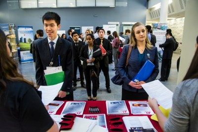 students lining up at career fair