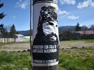 SM poster in El Bolson