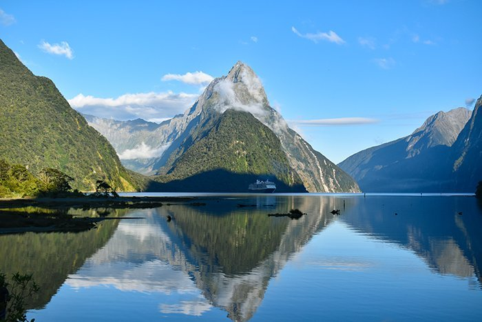 Milford Sound - Fjordlands - South Island - New Zealand