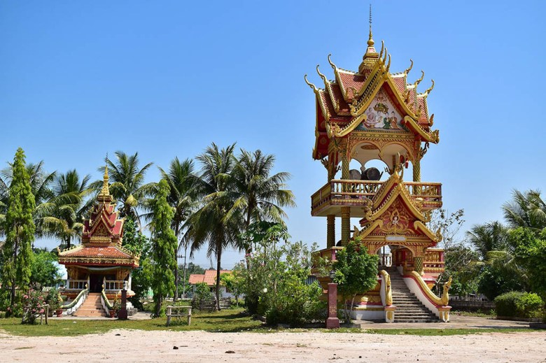 That Ing Hang smaller temples Savannakhet
