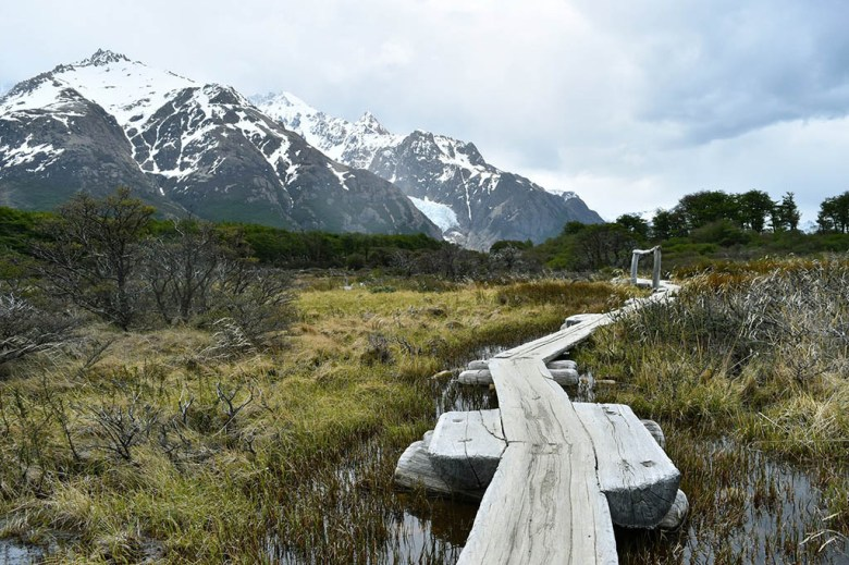 The boarded pathway leading from Mirador del Fitz Roy to Campamento Poincenot