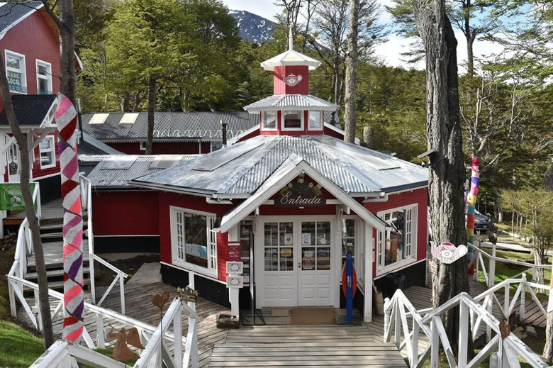 After hiking the Glaciar Martial trail, you can relax with tea and cake at La Cabaña Casa de Té