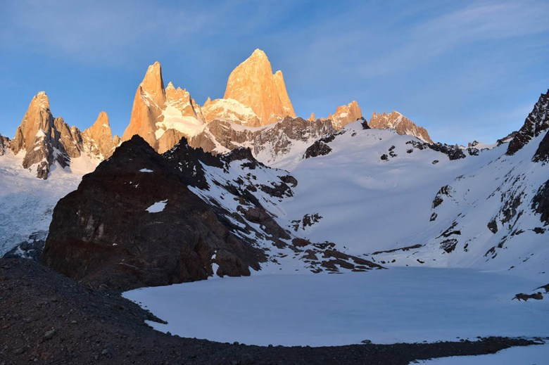 The iconic view of Mount Fitz Roy towering over Laguna de los Tres at sunrise