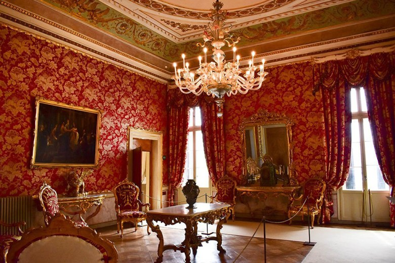 Inside Museo Correr you can see rooms used by Empress Sissi of Habsburg Austria