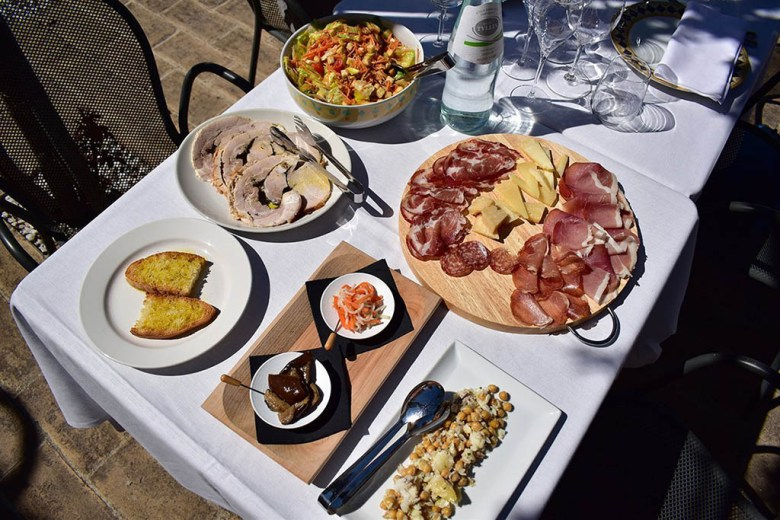 We enjoyed a wonderful lunch spread with our wine tasting at Scacciadiavoli