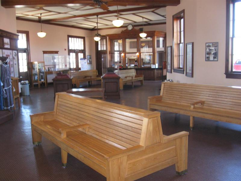 Amtrak Stations Wilson and Selma NC   Careeringcrawdad s Blog The interior of the Selma  NC Amtrak station