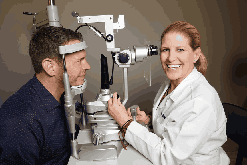 Ophthalmologist duties