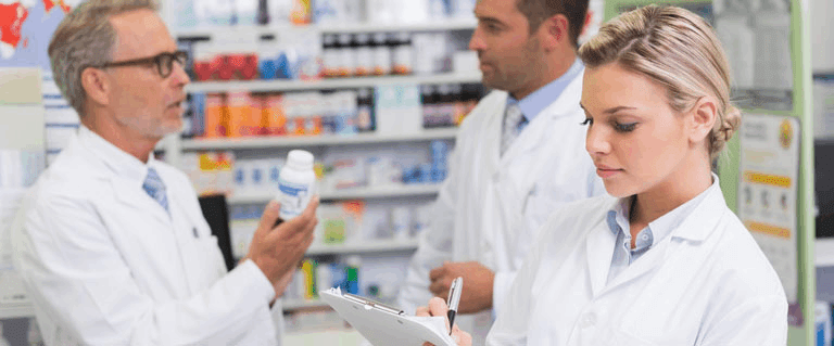 Why should you consider becoming a pharmacist in the US?