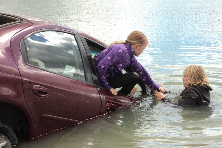 the car when plunged underwater