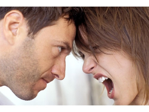 How to stop fightning in relationship in hindi ?
