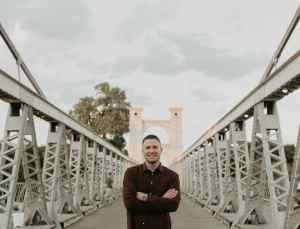 Photo of Jonathan Pokluda on bridge