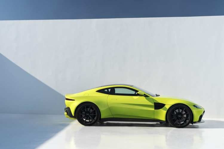 Aston Martin Vantage in Lime Essence