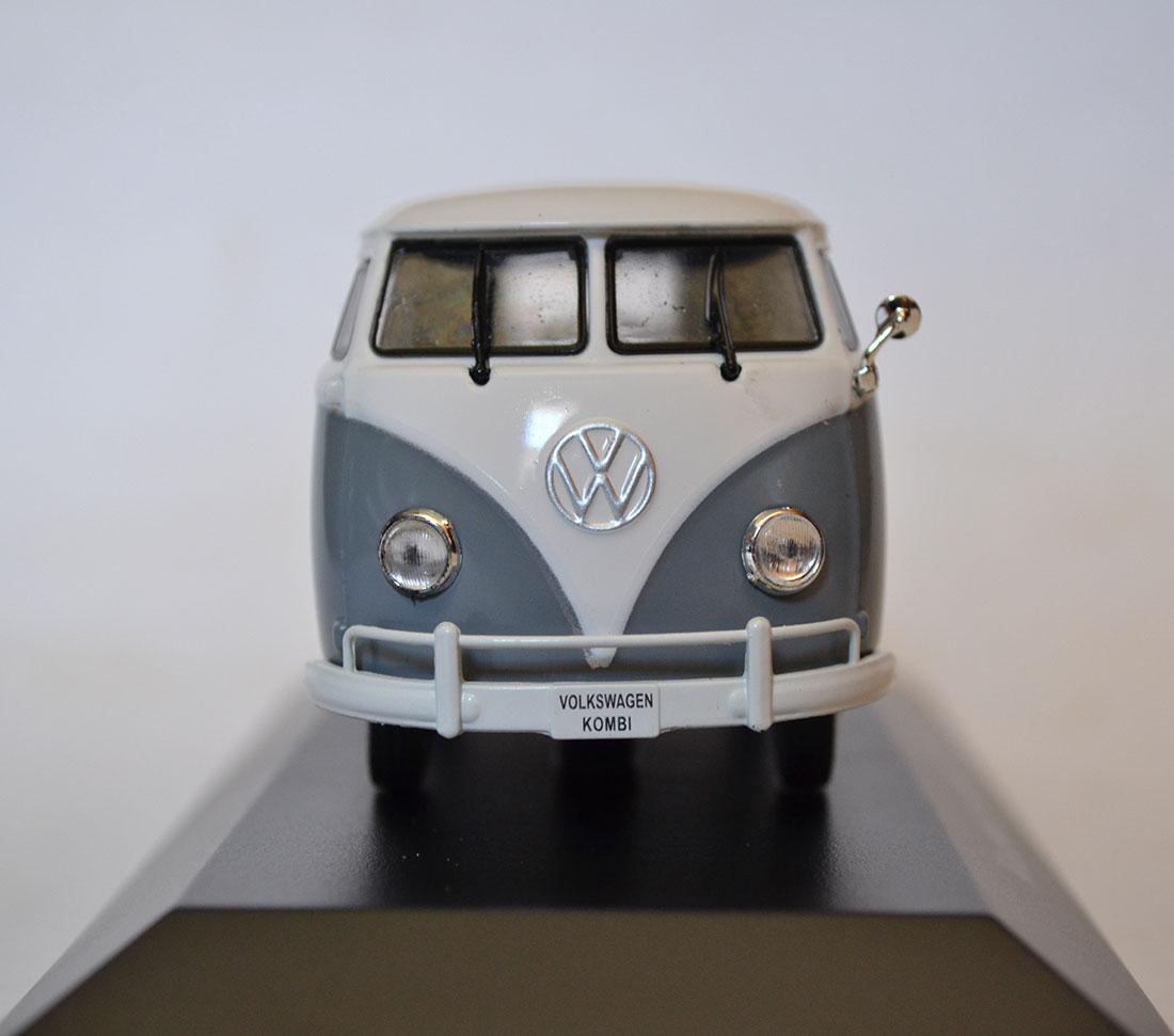 Volkswagen-Kombi-1200-1957_1