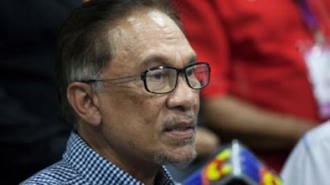 Kerajaan PN Tumbang, Anwar Cukup Majoriti.