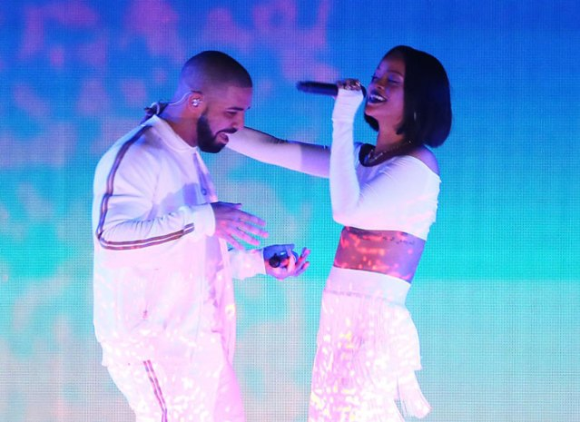 "Rihanna and Drake Perform ""Work"" Live For The First Time At the BRIT Awards"