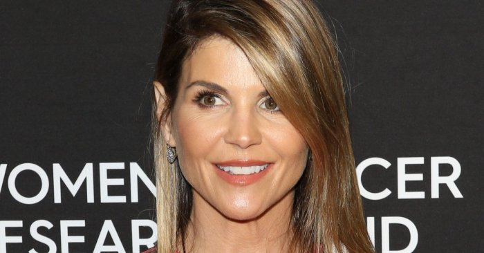 Actress Lori Loughlin to Serve 2-Month Sentence at the Prison of Her Choice