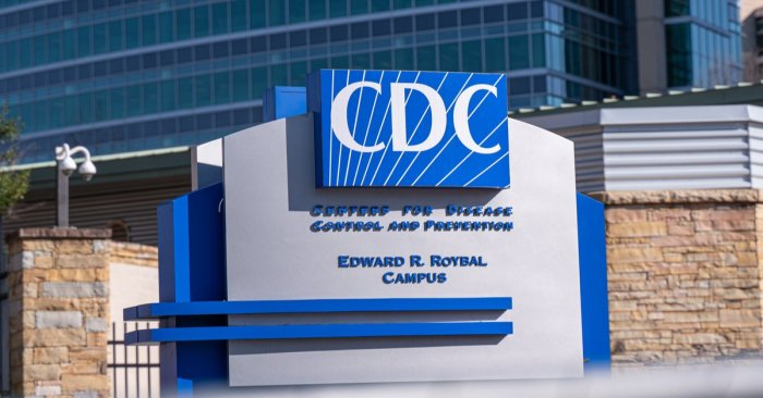 CDC staffers say morale inside the agency has plummeted during the pandemic