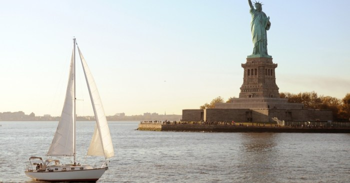 New York Expecting Big Crowds on the Water