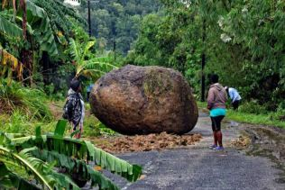 Rock that crashed onto the road. Photo Credit: Horst Michael Vogel