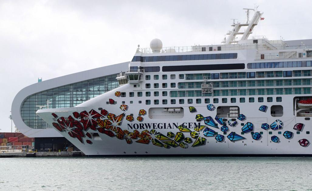 DeSantis ban on vaccine proof may send one company's cruise