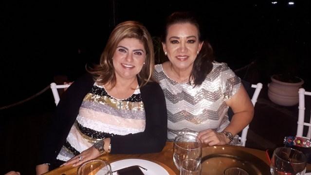 Polly de González y Liz Santin.