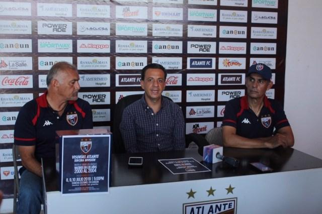 Directivos del Atlante entre los nuevos propietarios del Club Querétaro de la Liga Mx