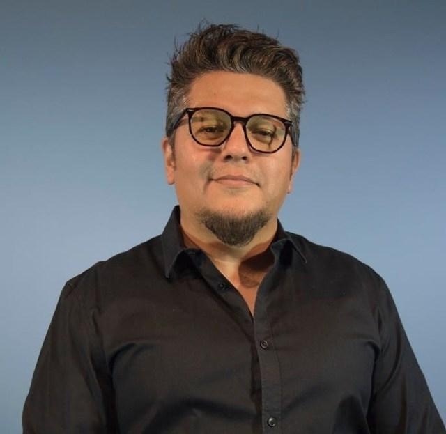 El dramaturgo mexicano, Saúl Enríquez en entrevista para #Caribempresarial @saulenriquezmar