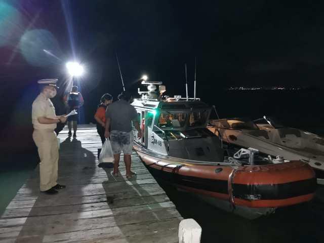 Armada de México rescata a tripulación de embarcación a la deriva cerca de Isla Mujeres