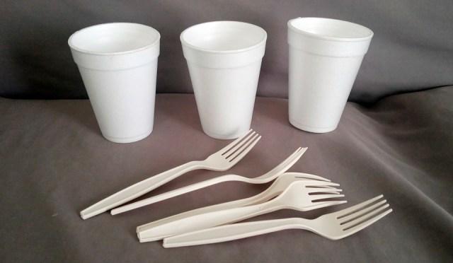 Reanudan campaña contra el uso de plásticos prohibidos en los negocios