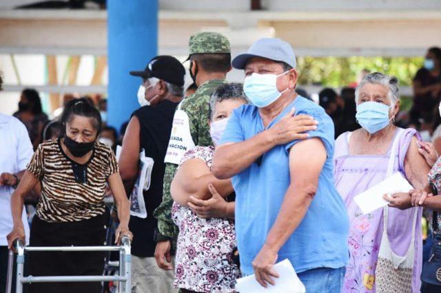 Cofepris pide a la población reportar malestares por la vacuna anticovid