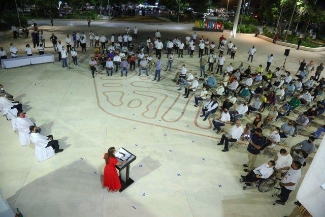 Reconocen en Cancún a luchadores sociales