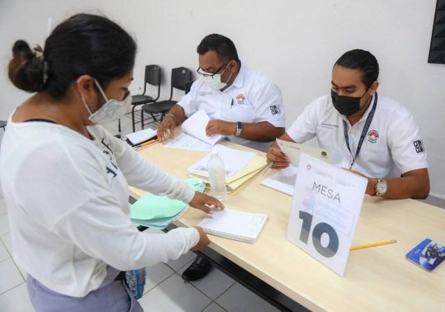 Recibieron becas 3 mil 293 estudiantes en Cancún