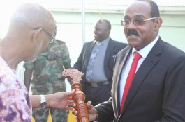 pm-receives-baton-from-bishop-kingsley-lewis