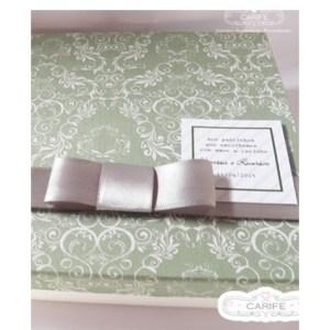 Caixa com tampa de tecido para lembrancinha de padrinhos
