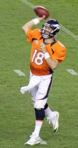 Peyton_Manning_throwing