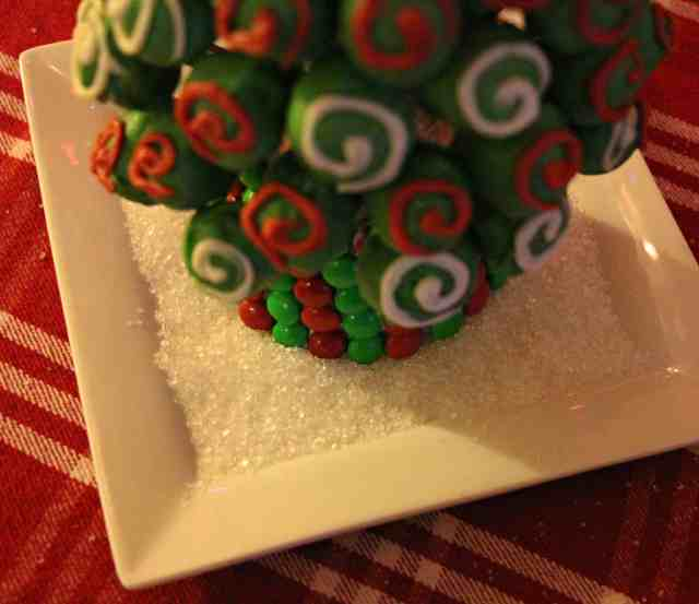 OREO-Cookie-Balls-Christmas-Tree-17