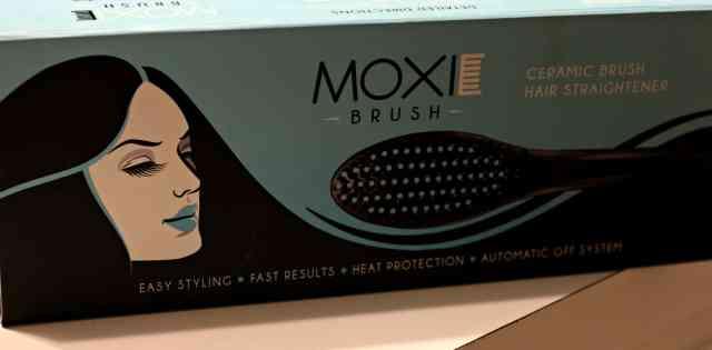 Moxie-Brush-Hair-Straightener-1