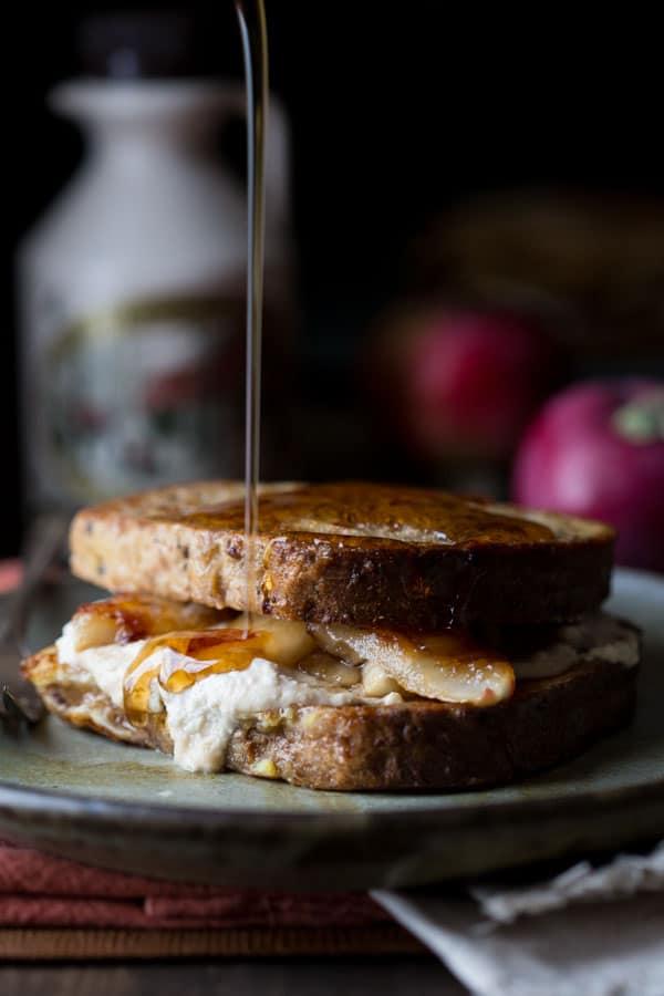 maple-caramelized-apple-stuffed-french-toast-038