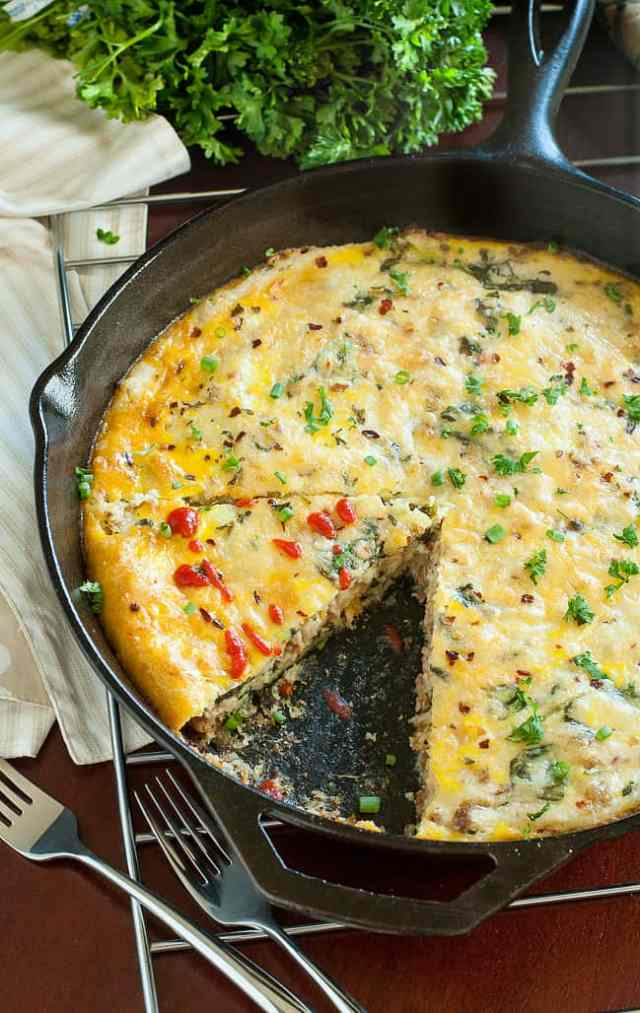 sausage-spinach-egg-cheesy-grits-breakfast-bake-brunch-casserole-recipe-peasandcrayons-0686xl