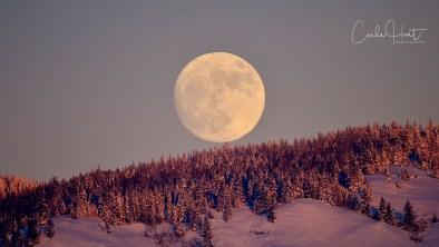 Full Wolf Moon Rising, December 31, 2017, Vernon, BC