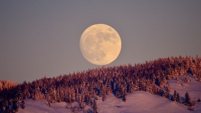 Full Wolf Moon Rising, December 31, 2017, Vernon, BC
