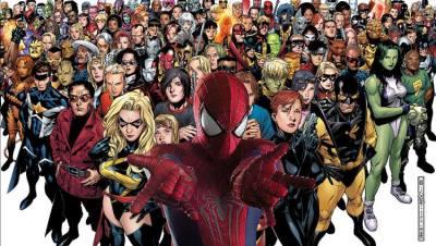 Mais nous ne sommes pas juste affligés par Sony Pictures et son univers de Spider-man. Il y aussi Fox et ses mutants, Marvel et ses projets, DC et Warner Bros essayant d'établir la rencontre entre Batman et Superman.