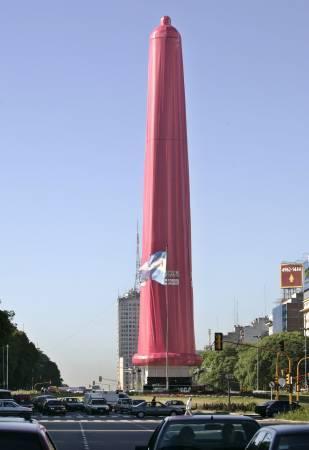 Condom géant à Buenos Aires