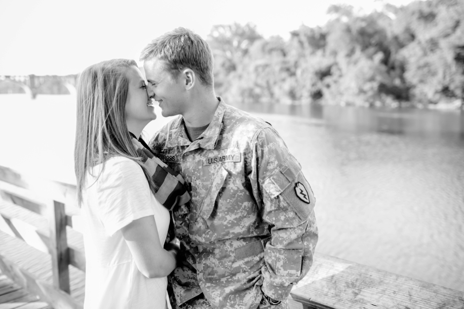 3A-Downtown-Fredericksburg-Virginia-Engagement-Stephen-Ashlee-1000