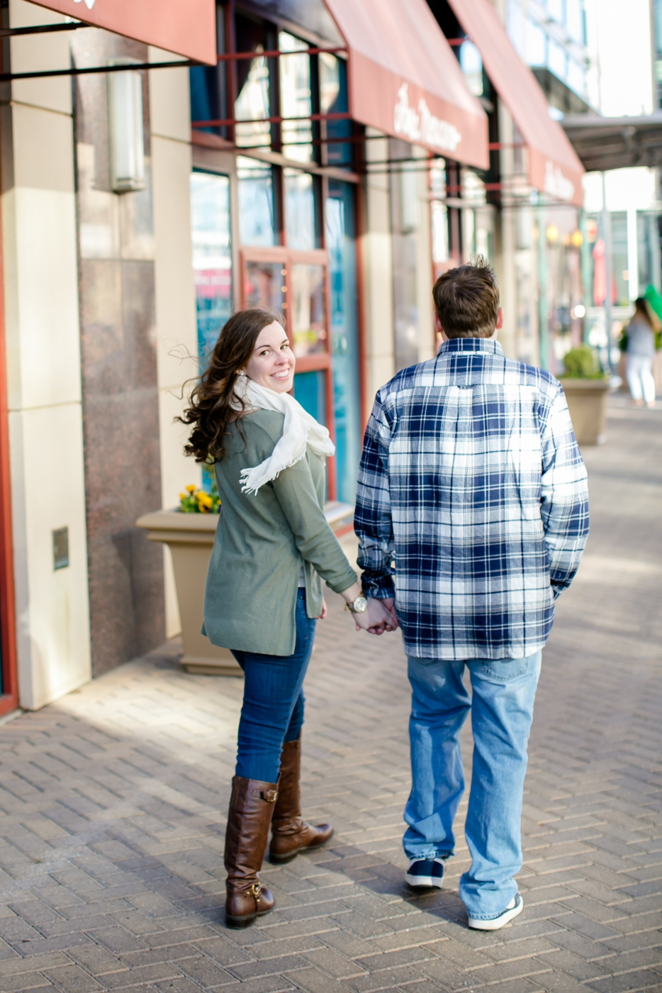11A-National-Harbor-Engagement-Session-Brittany-Josh4624