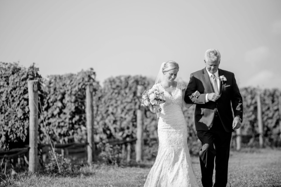 4A-Stone-Tower-Winery-Summer-Wedding-GG-1300