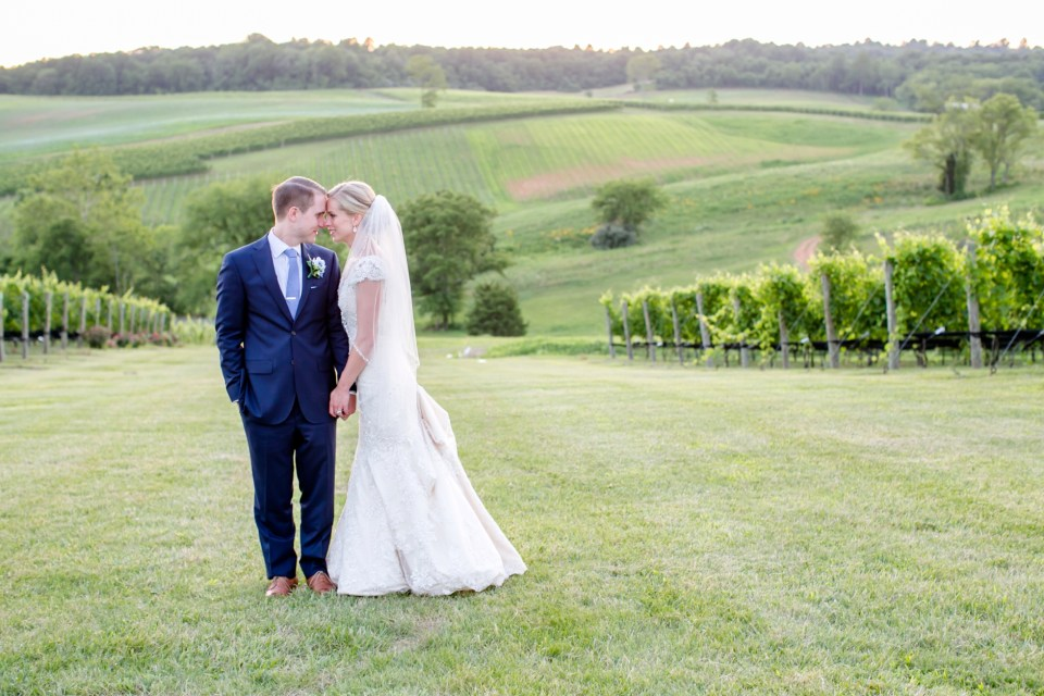 53A-Stone-Tower-Winery-Summer-Wedding-GG-1200
