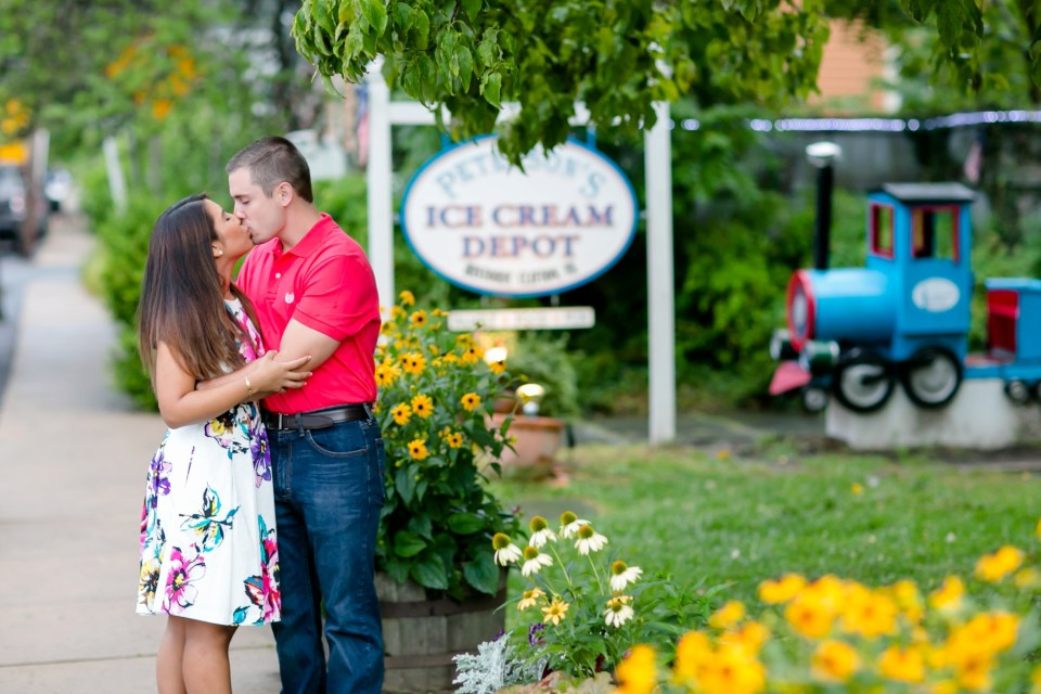 15A-Downtown-Clifton-Virginia-Engagement-Session-3038